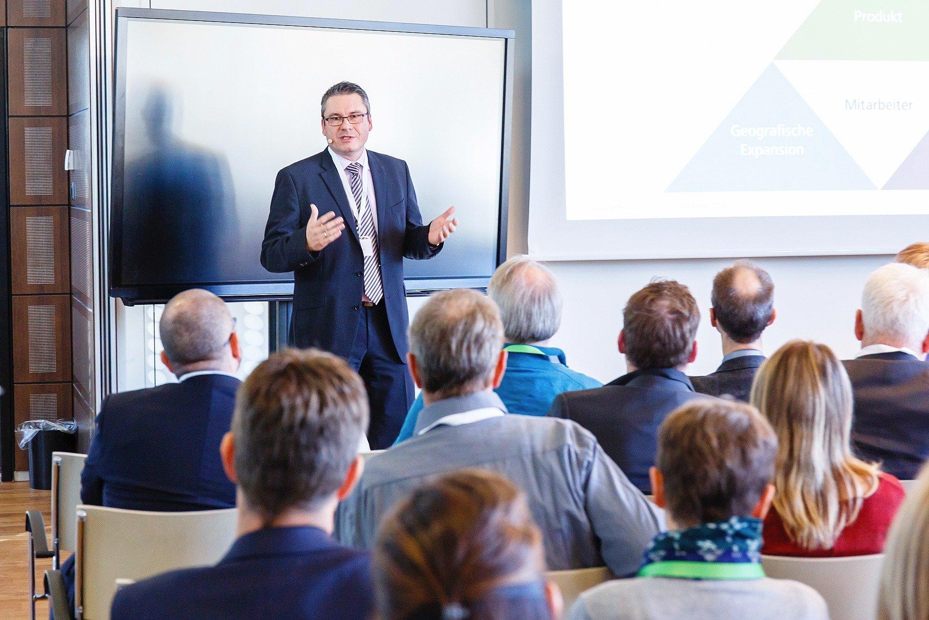 Volker Schwarzer Vertec AG