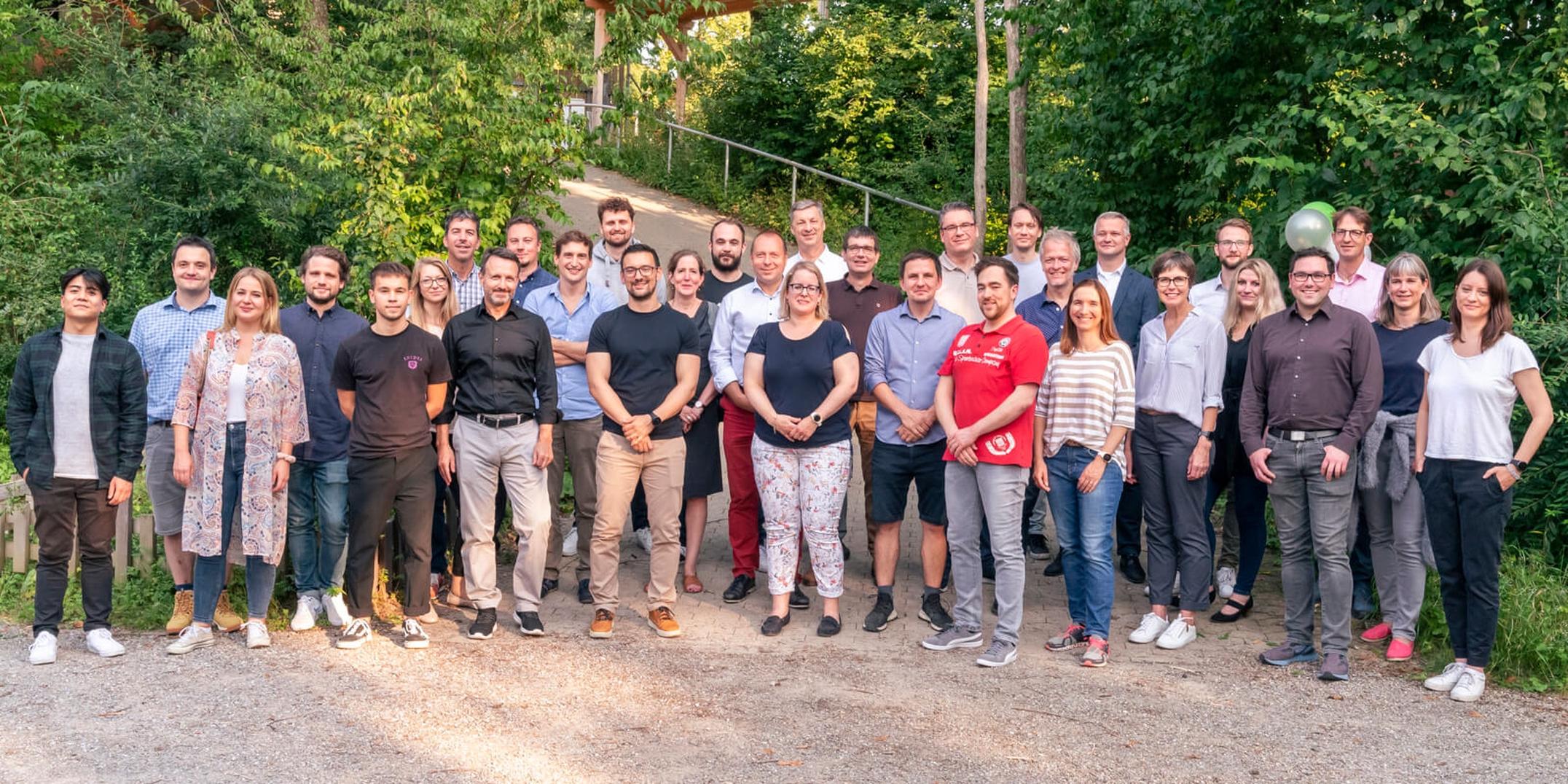 Vertec-Mitarbeiter anlässlich der 25 Jahre Feier im August 2021